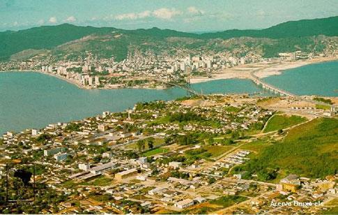 Vista panoramica do estreito - centro - inicio da decada de 1970 - Fonte: acervo de Edson Luiz daSilva