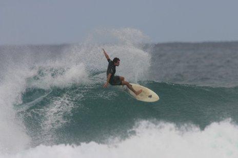 Fabiano Matos em Rocky Point, Hawaii - Foto: Zizo - Fonte: blogTracks